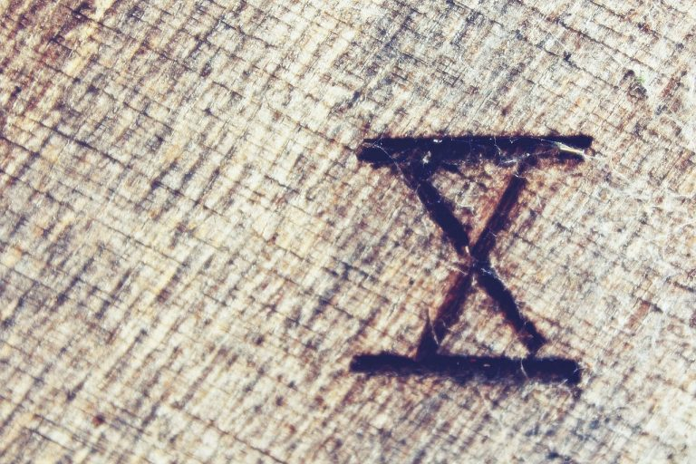 The Symbolic Meaning of the Number Ten